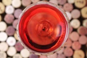 Foto Rose mit Weinkorken